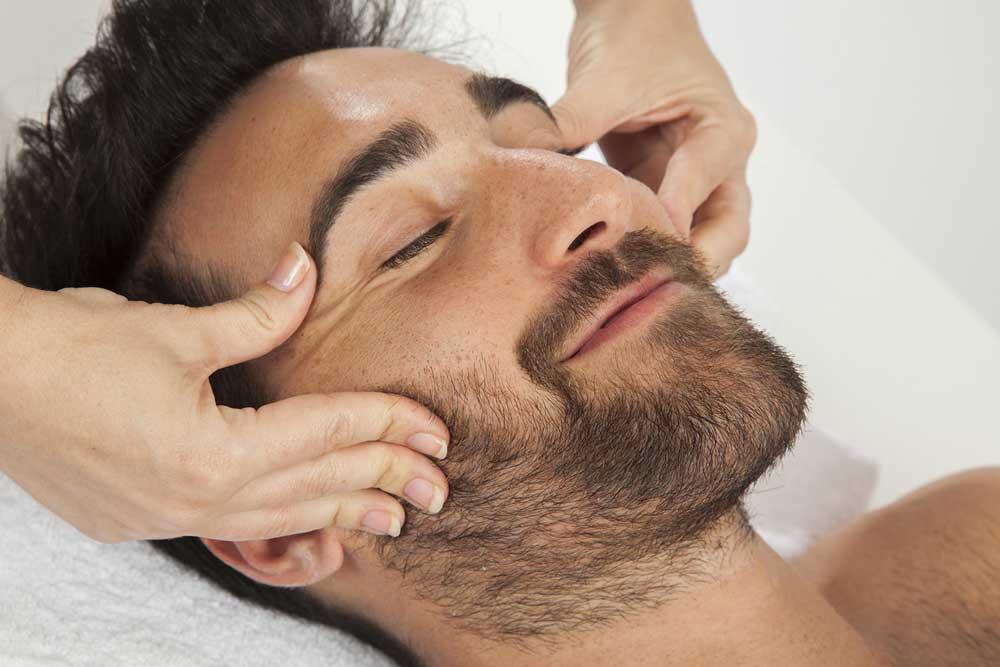 ماساژ صورت و رشد ریش ها